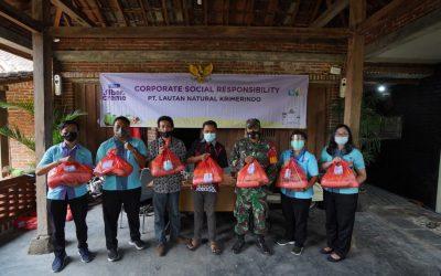 Pembagian 200 Paket Sembako kepada Warga Sekitar PT. Lautan Natural Krimerindo